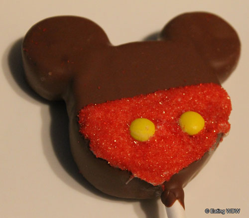mickey-chocolate-cake-pop-close