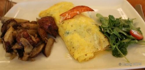 captains-grille-lobster-omelet