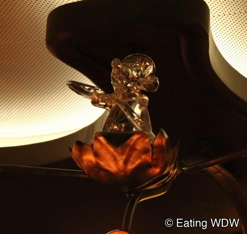 remy-glass-sculpture