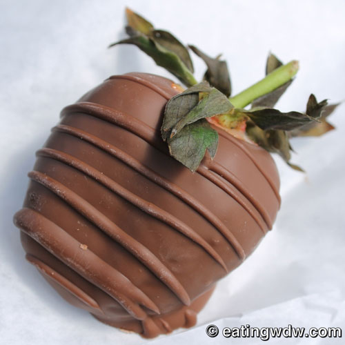 disney-chocolate-dipped-strawberry
