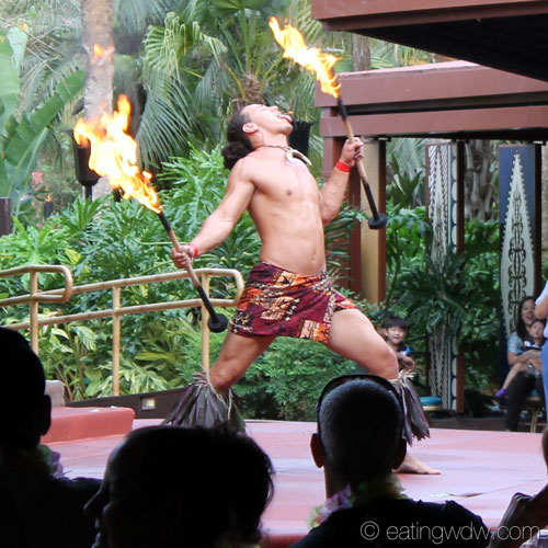 spirit-of-aloha-dinner-show-fire-dance-5