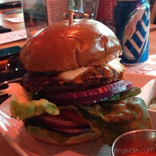 house-of-blues-orlando-the-heat-seeker-burger-close