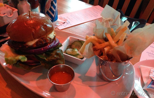 house-of-blues-orlando-the-heat-seeker-burger