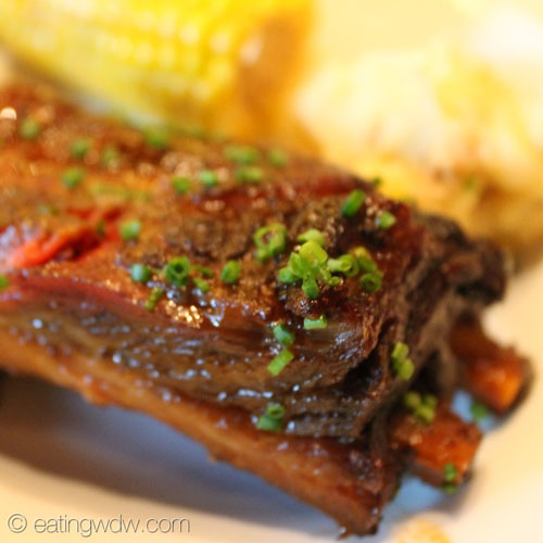 whispering-canyon-cafe-kansas-city-style-smoked-pork-ribs-close