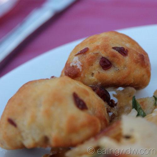 2013-ocean-spray-cranberry-bog-france-Artisan-Cheese-Stuffed-Mini-Craisin-Brioche