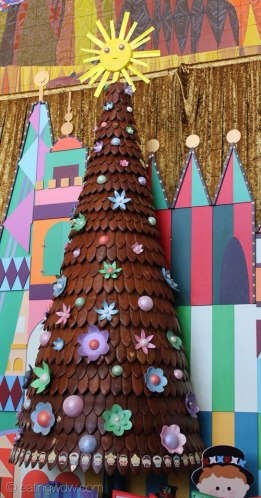 2013-contemporary-gingerbread-tree-2