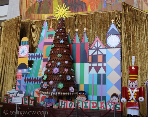 2013-contemporary-gingerbread-tree