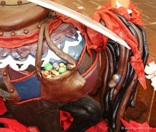 beach-club-2013-gingerbread-carousel-captain-jewels