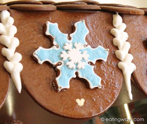 beach-club-2013-gingerbread-carousel-hidden-mickey-snowflake