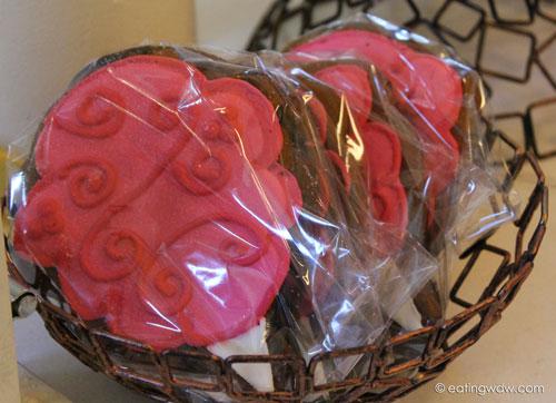 boardwalk-sweet-treats-gingerbread-house-2013-cotton-candy-cookie