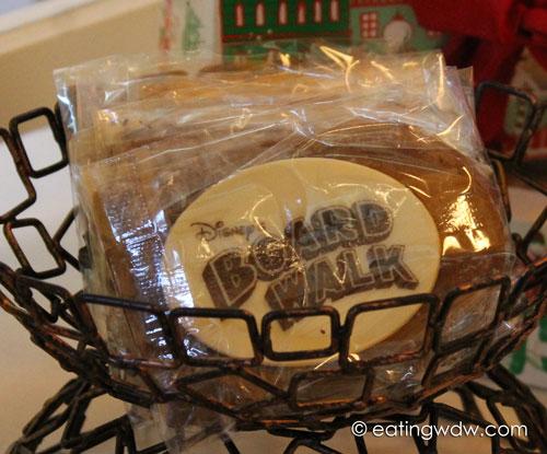boardwalk-sweet-treats-gingerbread-house-2013-shingle