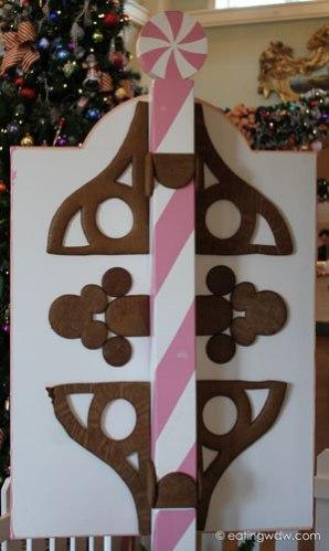 boardwalk-sweet-treats-gingerbread-house-2013-sign-back