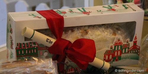 boardwalk-sweet-treats-gingerbread-house-2013-stollen