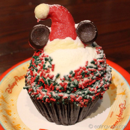 gingerbread-cupcake-with-cream-cheese-icing