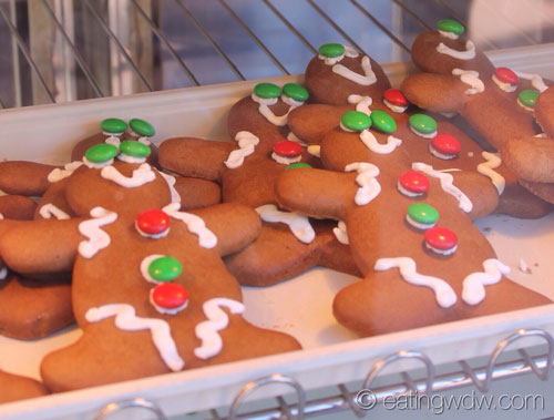 holidays-around-the-world-sugar-and-spice-gingerbread-cookies