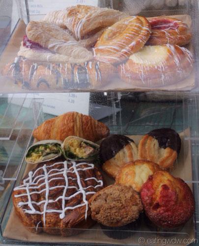kusafiri-pastries