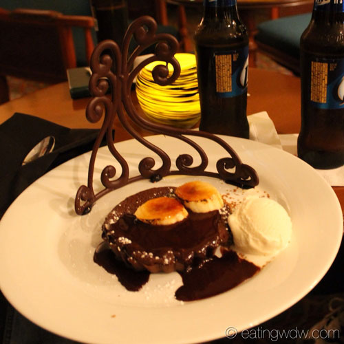 mizners-lounge-warm-chocolate-banana-torte