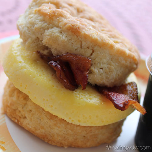 boardwalk-bakery-buttermilk-biscuit-egg-sandwich-2