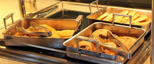 fantasy-cabanas-breakfast-buffet-8