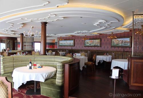 fantasy-palo-dining-room