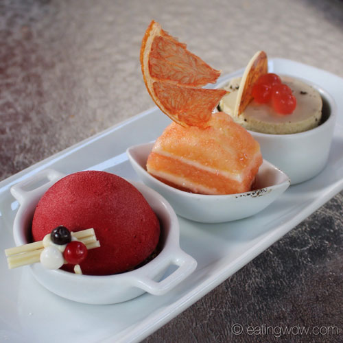 brown-derby-the-hollywood-brown-derby-dessert-trio