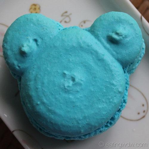 goofys-candy-co-mickey-macaron