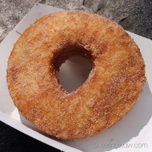 refreshment-port-croissant-doughnut-cronut