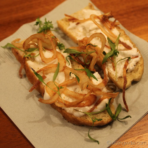 an-evening-at-markhams-appetizers-focaccia-crostini-lardo-crispy-shallots-2
