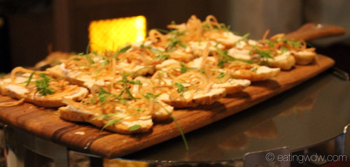 an-evening-at-markhams-appetizers-focaccia-crostini-lardo-crispy-shallots