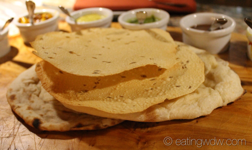 sanaa-indian-style-bread-service-breads
