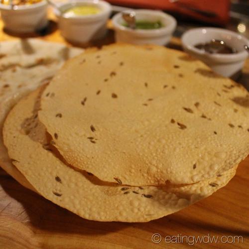 sanaa-indian-style-bread-service-pappadum