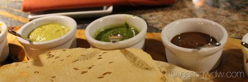 sanaa-indian-style-bread-service-spicy-jalapeno-lime-chutney-coriander-chuntey-tamarind-chutney