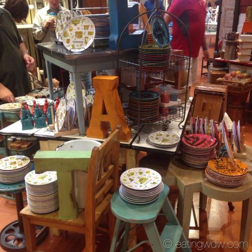 downtown-disney-marketplace-co-op-centerpiece-merchandise