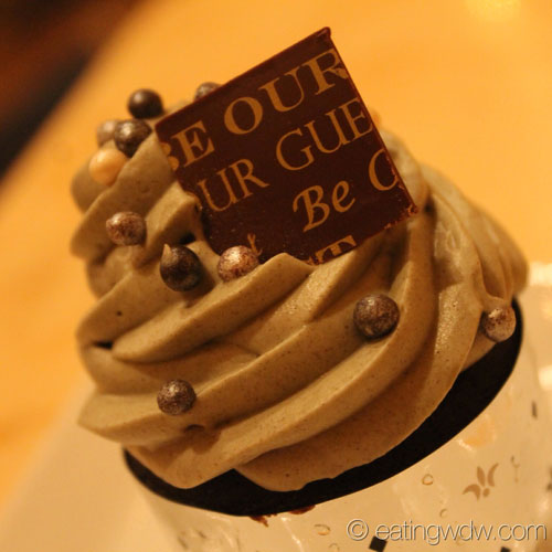 be-our-guest-the-grey-stuff-cupcake-2