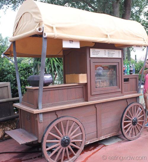 frontierland-churro-pretzel-cart