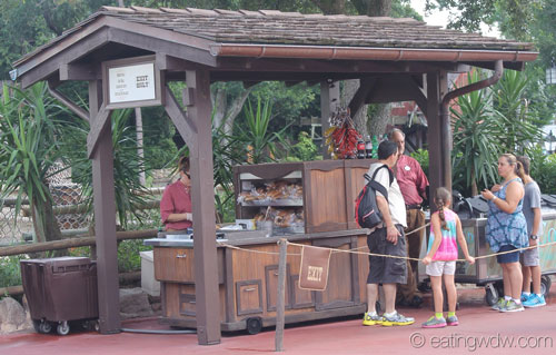frontierland-hot-dog-stand