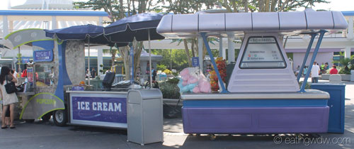 tomorrowland-refreshment-stands