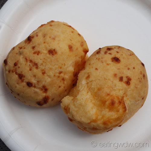 2014-food-wine-brazil-pao-de-queijo-brazilian-cheese-bread