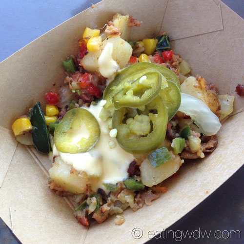 2014-food-wine-fest-farm-fresh-nueskes-pepper-bacon-hash-sweet-corn-potatoes-hollandaise-pickled-jalapenos-2