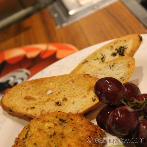 50s-prime-time-cafe-tune-in-lounge-fried-herb-and-garlic-cheese-3