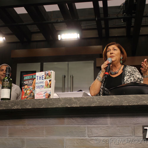 2014-food-wine-culinary-demo-andrew-zimmern-pam-smith-intro