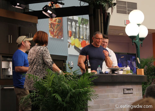 2014-food-wine-culinary-demonstration-robert-irvine-3