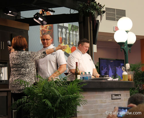 2014-food-wine-culinary-demonstration-robert-irvine-4