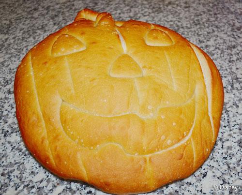 disneyland-pumpkin-sourdough-bread-loaf