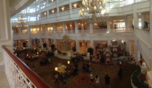 2014-grand-floridian-gingerbread-house-lobby