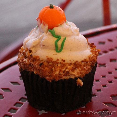 boardwalk-bakery-fall-specialty-cupcake-1