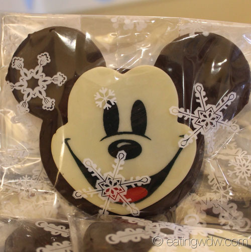 2014-beach-club-marketplace-holiday-treats-mickey-cookie