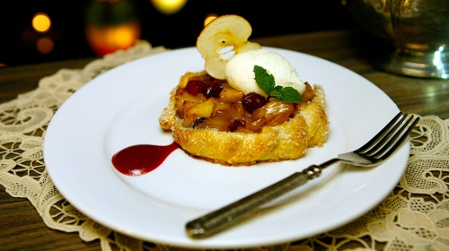 blue-bayou-apple-cranberry-galette