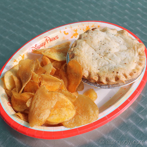 everything-pop-chicken-pot-pie-with-house-made-chips