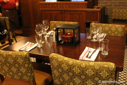 trattoria-al-forno-table-setting